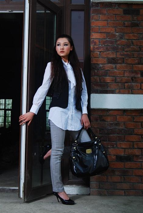 014-黑色上衣配灰色926-2裤子
